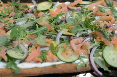 Easy Smoked Salmon Pizza: Prefect for an elegant brunch!