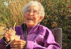 Aos 90 anos, Norma Jean Bauerschmidt ganhou o noticiário mundial ao tomar a decisão de não tratar-se de um câncer uterino em estágio terminal para aproveitar seus últimos dias viajando. Pouco mais de um ano depois, a norte-americana faleceu na semana passada, tendo realizado seu último desejo: cair na estrada acompanhada do filho e da nora. Conheça um pouco mais da história dessa simpática senhora.