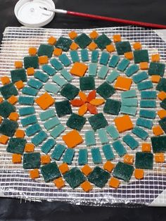 Mosaic Diy, Mosaic Glass, Stained Glass, Mosaic Projects, Projects To Try, Mosaic Planters, Mosaic Madness, Painted Rocks, Fun Crafts