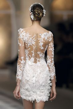 Buy high quality china wholesale computers, cell phones, wedding dresses and other products from reliable chinese wholesalers on Dhgate Short Wedding Gowns, Couture Wedding Gowns, Wedding Dress Styles, Dream Wedding Dresses, Bridal Dresses, Pronovias Bridal, Robes Vintage, Pretty Dresses, Marie