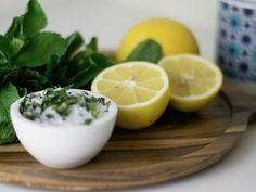 DIY-Anleitung: Salzpeeling mit frischer Minze selber machen via DaWanda.com