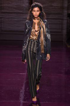 #NinaRicci   #fashion   #Koshchenets      Nina Ricci Spring 2017 Ready-to-Wear Collection Photos - Vogue
