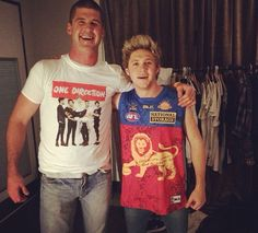 • my cousin with niall // my cousin with my boyfriend
