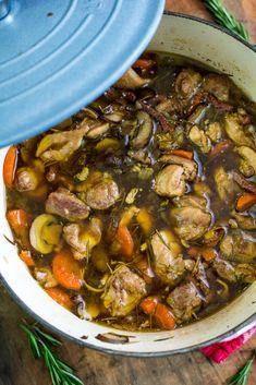 Kipstoof in kasteelbier Dutch Recipes, Soup Recipes, Chicken Recipes, Cooking Recipes, Healthy Recipes, A Food, Good Food, Food And Drink, Yummy Food