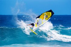 How to windsurf in waves