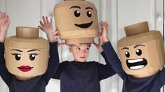 How to make a brickhead helmet out of cardboard. Dress up as your favourite Lego or Brickman with this Lego head inspired costume made out of cardboard. Lego Man Costumes, Cardboard Costume, Diy Cardboard, Family Halloween Costumes, Diy Costumes, Diy Lego Costume, Diy Karton, Lego Head, Halloween Disfraces