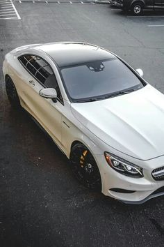 White Mercedes S63 coupe AMG