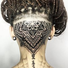 Beautiful head mandala by Melow Perez ( from Barcelona ES. What do you think about mandalas? Share your thoughts with us. Tattoo Nape, Undercut Tattoos, Hairline Tattoos, Back Tattoo, Sacred Geometry Tattoo, Dot Work Tattoo, Grey Tattoo, How To Treat Acne, Head And Neck