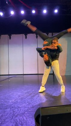 Swing Dance Moves, Acro Dance, Cool Dance Moves, Swing Dancing, Partner Dance, Dance Tips, Dance Choreography Videos, Dance Videos, Country Swing Dance
