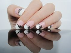 Ida-Marian kynnet / French manicure with black details / #Nails #Nailart