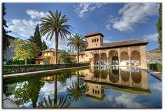 La Alhambra de Granada también en chino mandarín