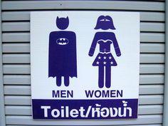 Ensaio traz sinalizações de banheiro criativas nos bares ao redor do mundo