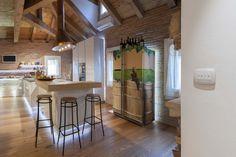 Vimar referenza a Venezia con la serie Arké esempio installazione domotica con pulsanti in cucina
