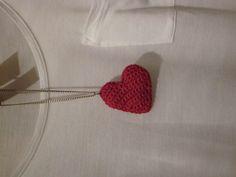 Corazón de ganchillo para colgante