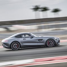 Mercedes Benz AMG GT-S