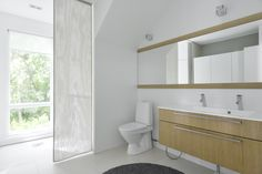 bathroom Bathroom Inspiration, Bathroom Ideas, Bathtub, Homes, Interior Design, Mirror, Furniture, Home Decor, Standing Bath