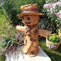 a on tam stál a koukal do polí / Zboží prodejce Bédina Cute Clay, Slab Pottery, Clay Pots, Halloween, Ceramic Art, Garden Sculpture, Homemade, Wood, Scarecrows