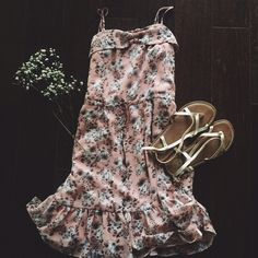 ✱FS✱ F21   floral sundress ✱FS✱ // originally $24 Only Worn Once // excellent condition  ➵ pale pink, peach floral dress ➵ hits right at the knee  ➵ straps are adjustable  ➵ lightweight and flowy  Closet policies:  No trades  No PayPal  Bundles =5% Discount Forever 21 Dresses Midi