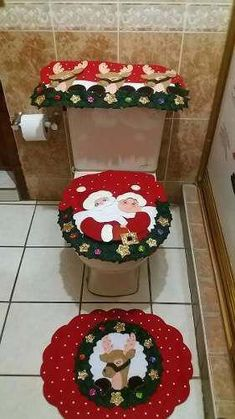 Juego De Baño Navideño En Fieltro 3 Pinos - $ 1,199.00 #Navidadenverano Christmas Patchwork, Christmas Sewing, Plaid Christmas, Christmas Home, Christmas Crafts, Felt Christmas Decorations, Holiday Decor, Christmas Bathroom Sets, Santa Claus Is Coming To Town