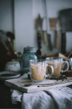 Homemade Vanilla, Homemade Ice, Cocoa, Coffee Delivery, Ice Milk, Iced Latte, Latte Recipe, How To Make Coffee, Coffee Photography