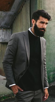 Rugged Man To Office Man – Beard Styles Professional Transform your look from rugged to professional & be able to get away with a full grown beard even at work. Get the Best Professional Beard styles now. Popular Beard Styles, Beard Styles For Men, Hair And Beard Styles, Goatee Styles, Black Men Beards, Long Beards, Professional Beard Styles, Best Beard Growth, Moda Formal