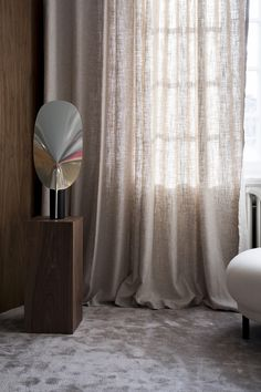 Interior design inspirations that are going to blow your mind. The right home de… - Vardagsrum Diy Minimalist Interior, Minimalist Home, Interior Design Inspiration, Decor Interior Design, Colour Blocking Interior, Home Curtains, Linen Curtains, Casamance, Eclectic Furniture