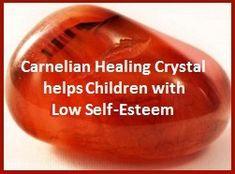 Für Kinder Karneol Achat - können verwendet werden, um mit Gefühlen der Unzulänglichkeit und geringes Selbstwertgefühl zu helfen. Es ist nützlich für die Förderung der Selbstsicherheit und Selbstliebe. Karneol fördert die Liebe zwischen Eltern und Kindern . Es hilft Mädchen schätzen ihren Körpern. Es kann für Akne durch Halten der Stein über die Haut und Bewegen im Kreis für mehrere Minuten mehrmals am Tag verwendet werden. Dies ist ein großer Stein bei der Unterstützung von Kreativität.