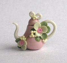 Tetera de Shabby flor miniatura hechos a mano por C. Rohal