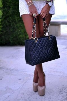 Chanel and louboutin: the perfect match ✔