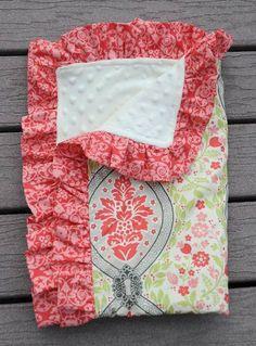 En el blog The little fabric shop  nos dan un paso a paso para confeccionar una manta con un acabado distinto, fruncido. Utiliza una bonita...