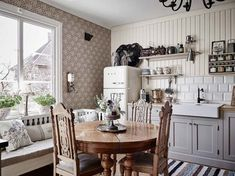 Farmhouse Kitchen Decor Ideas: Great Home Improvement Tips You Should Know! You need to have some knowledge of what to look for and expect from a home improvement job. Cheap Furniture, Kitchen Furniture, Furniture Dolly, Scandinavian Cottage, Scandinavian Apartment, Gravity Home, Farmhouse Style Kitchen, Beautiful Kitchens, Beautiful Interiors