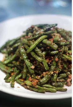 Chinese Buffet Green Beans, Indian Green Beans, Chinese Greens, Chinese String Bean Recipe, String Bean Recipes, Beans Recipes, Good Green Bean Recipe, Green Bean Recipes, Side Recipes