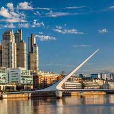 Buenos Aires Travel Guide - 10 Things to Do New Airline, Christmas Markets Europe, Group Tours, Cool Countries, Travel Guides, San Francisco Skyline, Trip Advisor, New York Skyline, Beautiful Places