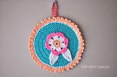 Crochet wall decoration / Gehaakt muurschilderijtje