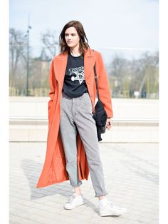 STYLIGHT Streetview: der Streetstyle des Tages! Heute mit High Waist Jeans auf STYLIGHT