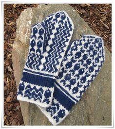 Ravelry: Theas Fiskevotter pattern by Bitta Mikkelborg #Knit <3