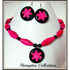 Perky Pink! Paper Necklace