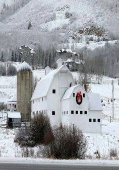 Winter Barn, so peaceful!  #winter #barn #snow Country Christmas, Winter Christmas, Merry Christmas, Christmas Ideas, Rustic Barn, Rustic Decor, Covered Bridges, Farm Houses, Old Houses
