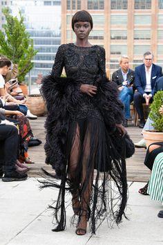 Oscar de la Renta Spring 2019 Ready-to-Wear Collection - Vogue Couture Fashion, Runway Fashion, High Fashion, Fashion Show, Fashion Looks, Fashion Design, Vogue, Couture Dresses, Stylish Dresses