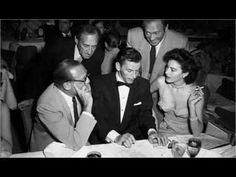 Frank Sinatra with Jack Benny, the Ritz Brothers and Ava Gardner in Las Vegas. Frank Sinatra My Way, Frank Sinatra Wives, Maria Callas, Ava Gardner, Great Love Stories, Love Story, Passionate Romance, Las Vegas, Jack Benny