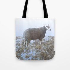 Tote bags a work of Francoise Zia . Sac fourre tout avec en impression une oeuvre d'artiste.