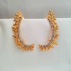 Gold Jhumka Earrings, Fancy Earrings, Gold Earrings Designs, Bridal Jewelry, Gold Jewelry, Fashion Earrings, Fashion Jewelry, Latest Jewellery, Emeralds