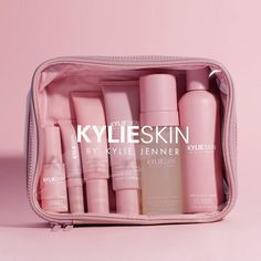 Shop our Travel Bag on Kylie Skin by Kylie Jenner. The Kylie Skin Travel Bag is your perfect companion to hold all your skin essentials. Beauty Care, Beauty Skin, Beauty Tips, Beauty Hacks, Beauty Ideas, Diy Beauty, Homemade Beauty, Beauty Makeup, Homemade Skin Care