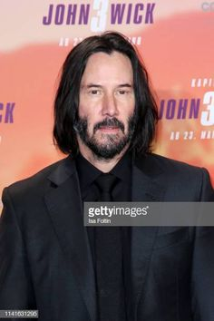 """Canadian actor Keanu Reeves poses at the """"John Wick: Chapter 3 ñ Parabellum"""" photocall at Hotel De Rome on May 2019 in Berlin, Germany. Get premium, high resolution news photos at Getty Images Actor Keanu Reeves, Keanu Reeves Life, Keanu Charles Reeves, John Wick, 3 N, New Matrix, Chapter 3, Close Up, Berlin Germany"""