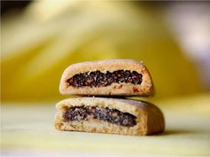 Many homemade Fig Newton recipes include orange juice with the filling, but if you try a Newton, you'll find the orange flavor in with the cake. To get that same flavor, my Newton dough has a bit of orange zest and a splash of juice too.