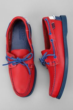 In love with this red & blue Boat shoes ⚓