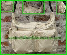 MOLDE DE BOLSO GRANDE de MIL MOLDES Big Bags, Bag Tutorials, Places, Scrappy Quilts, Travel, Fabric Purses, Satchel Handbags, Large Tote, Backpack Pattern