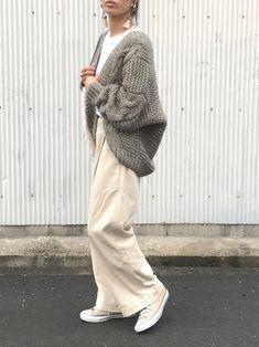 やっぱりみんなコレが好き♡「コンバース」秋の抜け感コーデ15連発 - LOCARI(ロカリ) Japan Fashion, Daily Fashion, Modest Fashion, Fashion Outfits, Womens Fashion, Ny Style, Hijab Style, Minimalist Fashion, Coats For Women