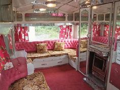 Interior of vintage trailer, Now this is the pink camper I want. Retro Trailers, Retro Campers, Vintage Travel Trailers, Camper Trailers, Happy Campers, Vintage Campers, Camper Van, Trailer Interior, Camper Interior