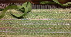 Gåsögon gillar jag att väva      just nu väver jag en mattai grönt med lite pastell.   Tänkte mig en våräng, grönt med vårblommor....     ... Recycled Fabric, Woven Rug, Loom, Weaving, Textiles, Rag Rugs, Fiber, Decor, Inspiration